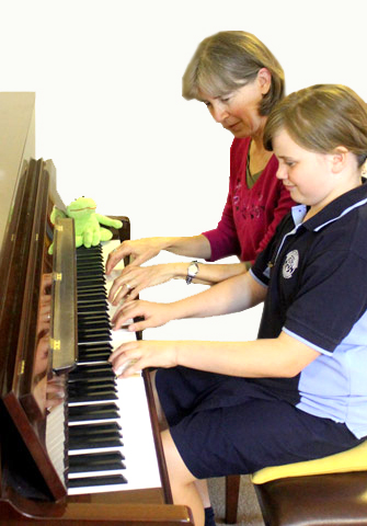 Kerry Beaumont - Piano Teacher The Gap Brisbane